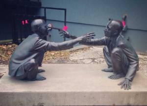 Toronto-Statue-Touching